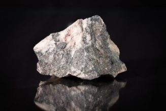 What Rock can I put in my Aquarium? - Aquarium Rock